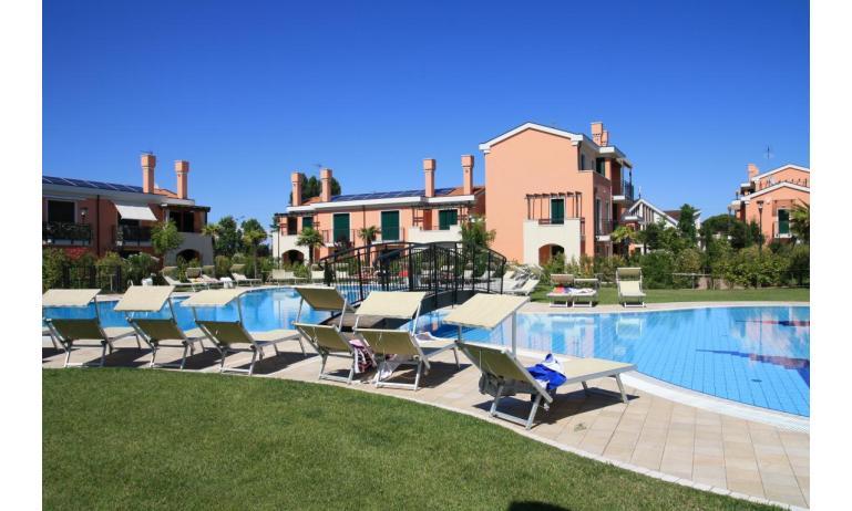 residence MILANO DUNE: esterno con piscina