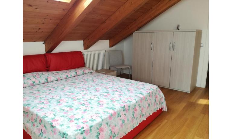 residence LE PALME: C6/PTX - camera matrimoniale (esempio)