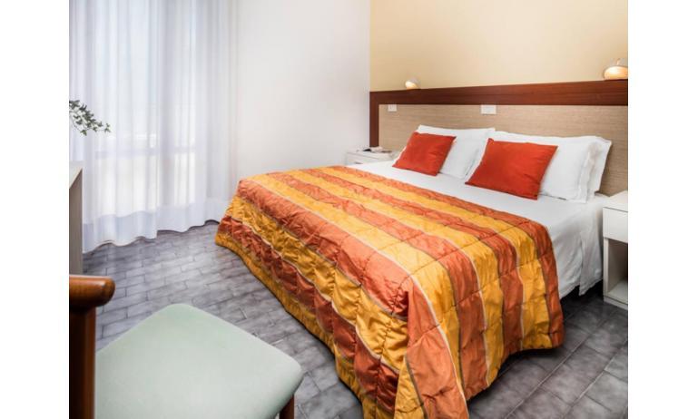 hotel BETTINA: Standard - camera matrimoniale (esempio)
