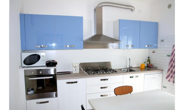 appartamenti NEREIDI: C7 - angolo cottura (esempio)