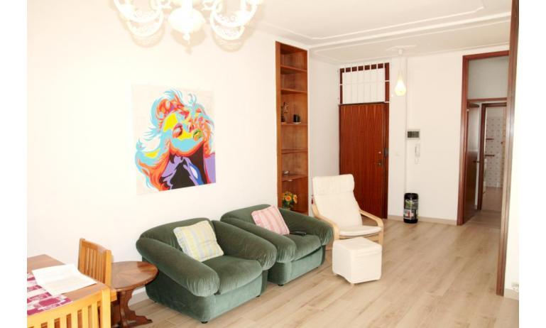 appartamenti NEREIDI: C7 - soggiorno (esempio)