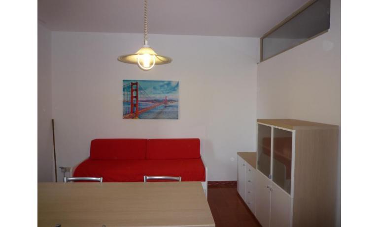 appartamenti GIARDINO: B5 - divano letto doppio (esempio)